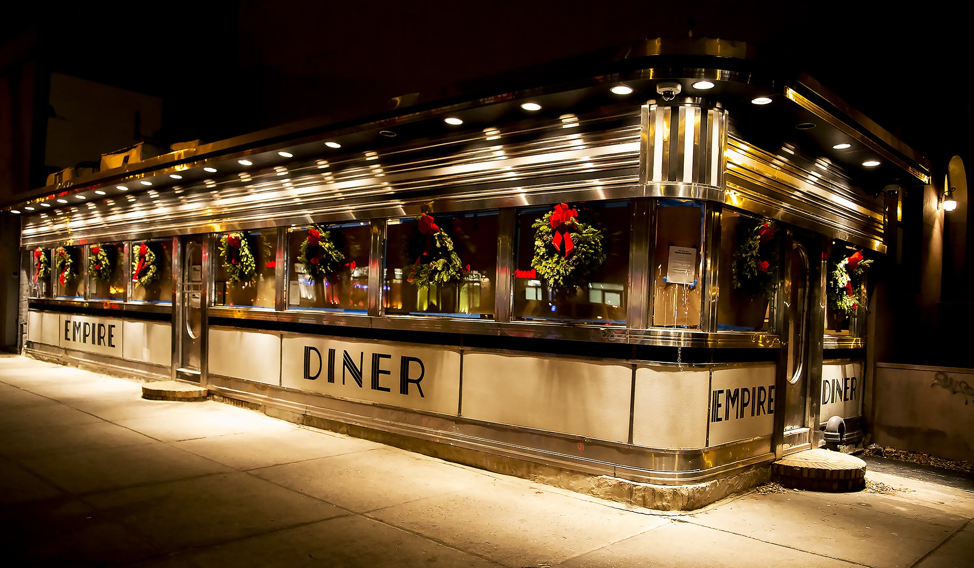 Diner decorated for Christmas
